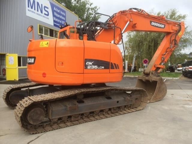 Where to find EXCAVATOR, 235 HYDRAULIC in Kamloops