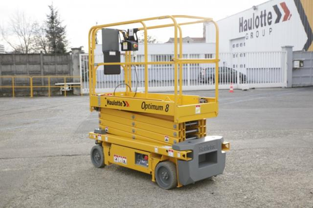 Where to find MANLIFT, 20  SLAB SCISSORLIFT in Kamloops
